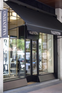 Valentino. Escaparate.