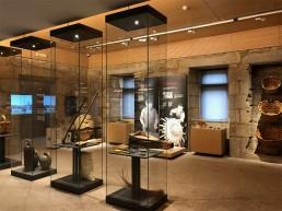 Vitrinas. Museo del Vino. Ribadavia.