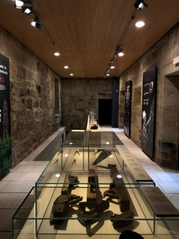 Vitrina. Museo del Vino. Ribadavia.