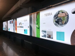 Lona retroiluminada, zona Orígenes. Tesoros de la Tierra