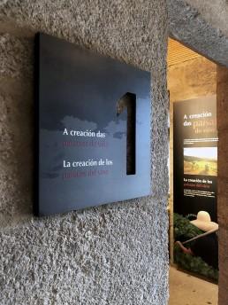 Señalización de sala. Museo del Vino. Ribadavia.